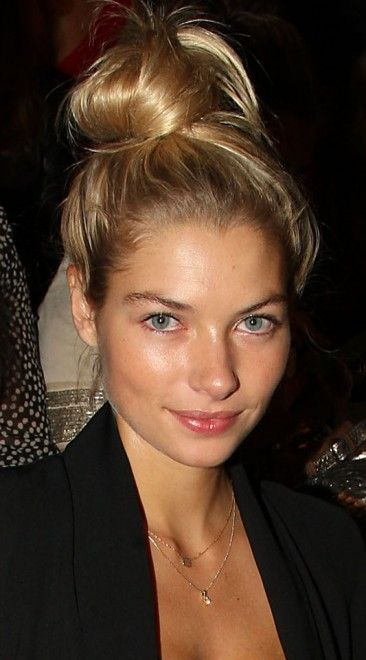 chic top knot and natural makeup