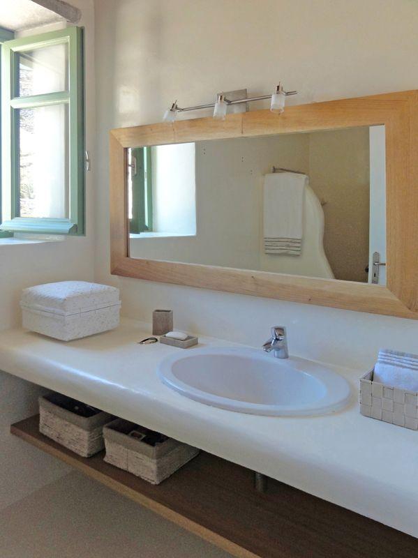 Villa Irida bathroom