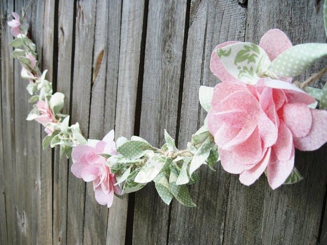 Flower garland: Craft, Petal Flowers, Fabric Flowers, Flower Garlands, Fabric Vine, Flowergarland, Diy, Fabric Garland, Pink Fabric