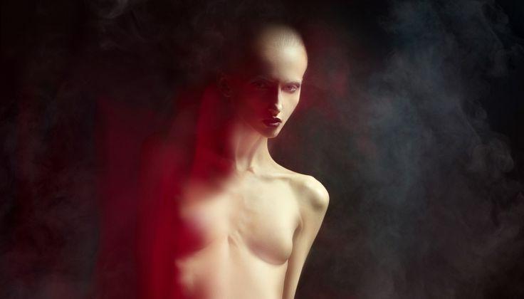 Инопланетные образы с помощью рефлектора и портретной тарелки