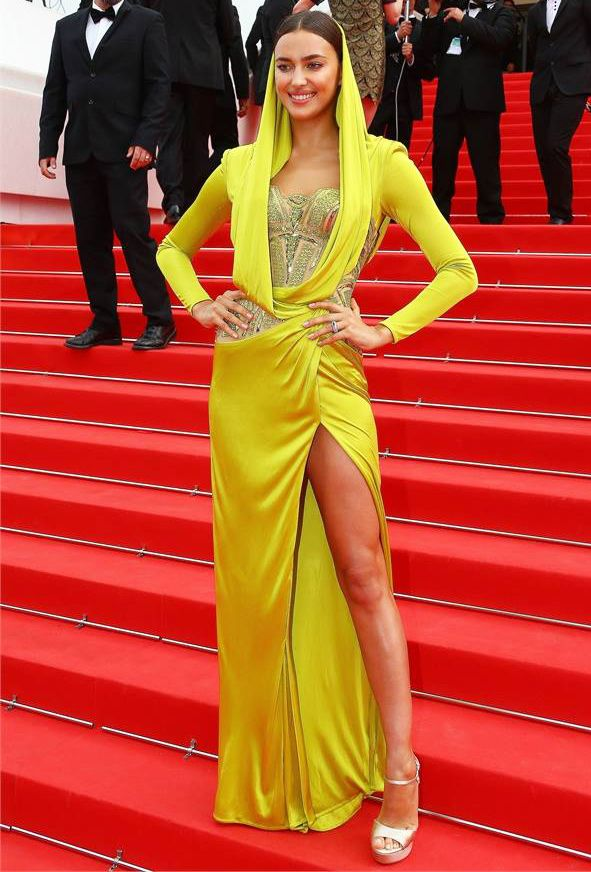Sunny Yellow Dress Is Trending At Cannes2017 Irina Shayk In Atelier Versace Hooded Embellished Corset D Details Lime Go