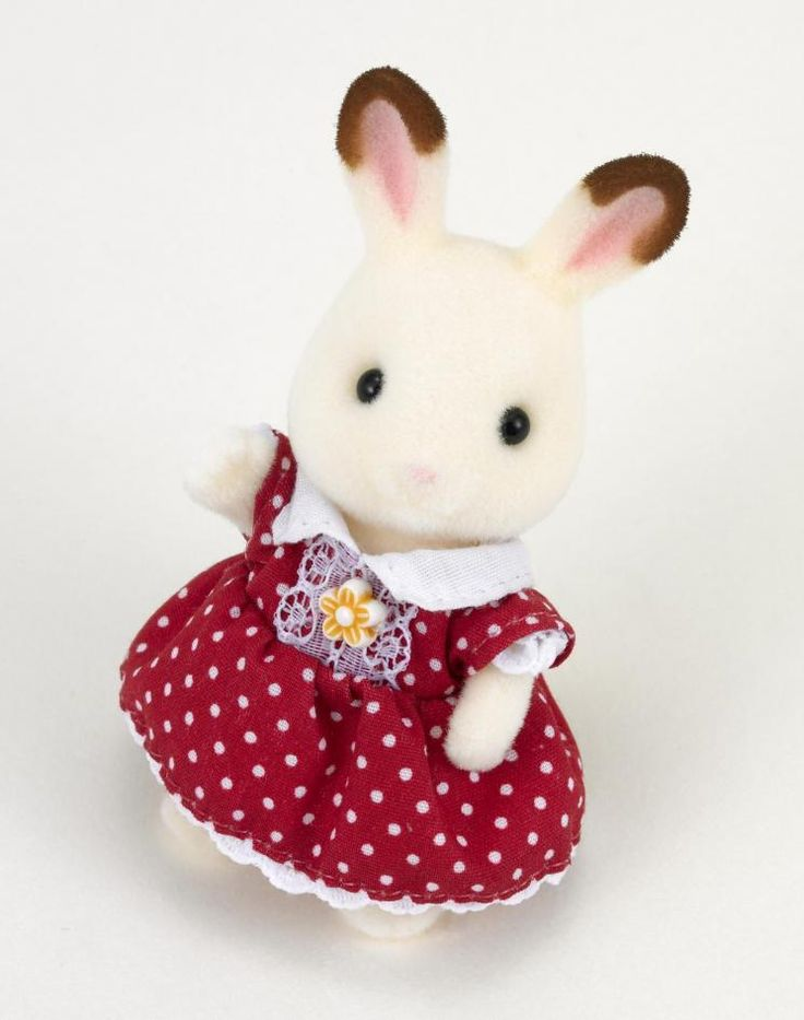 Η λατρεμένη μεγάλη κόρη της οικογένειας Chocolate Rabbit η Freya είναι ένα χαρούμενο κορίτσι που του αγαπάει πολύ την οικογένεια αλλά και τους φίλους της. Πολύ συχνά καλεί τους φίλους της σε πάρτι στο σπίτι της και τους κερνάει γλυκά που έχει φτιάξει με την μαμά της.