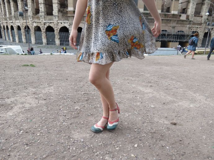 A day in the colosseum, click on the pic to see the entire outfit!