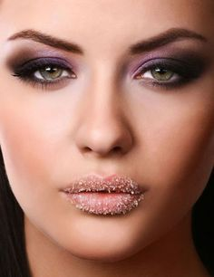 Lip Scrub selber machen - Einfache Rezepte für Lippenpeeling