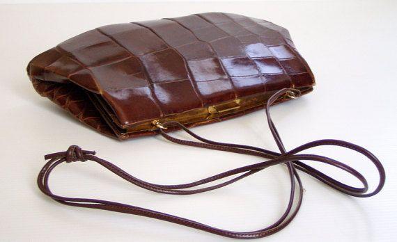 Elegante borsa vintage italiano. Pochette in coccodrillo marrone con tracolla . Italy - Anni 1940/50