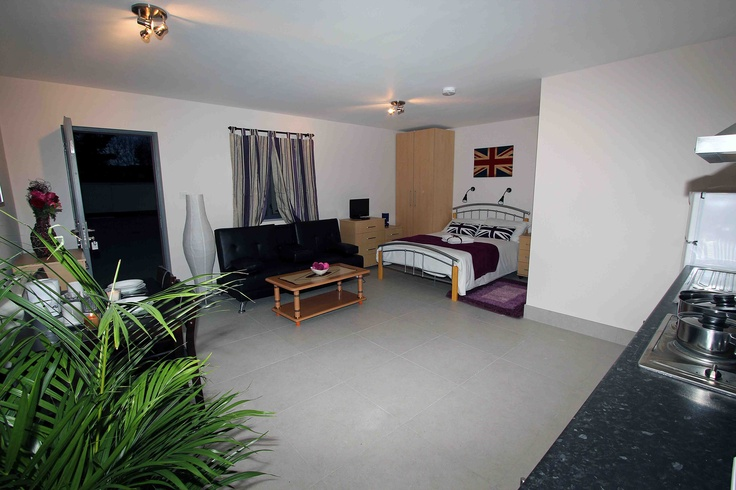 Come and stay in our new short let apartment in London. This spacious holiday flat is self-contained with new furniture and private facilities, you can rent Short Let London apartments for short stay in London, please contact us for more information www.shortlet-london.com .