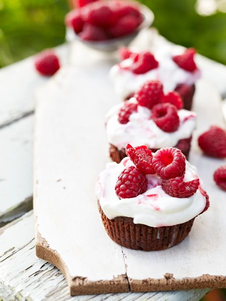 Brownie Muffin mit Himbeeren