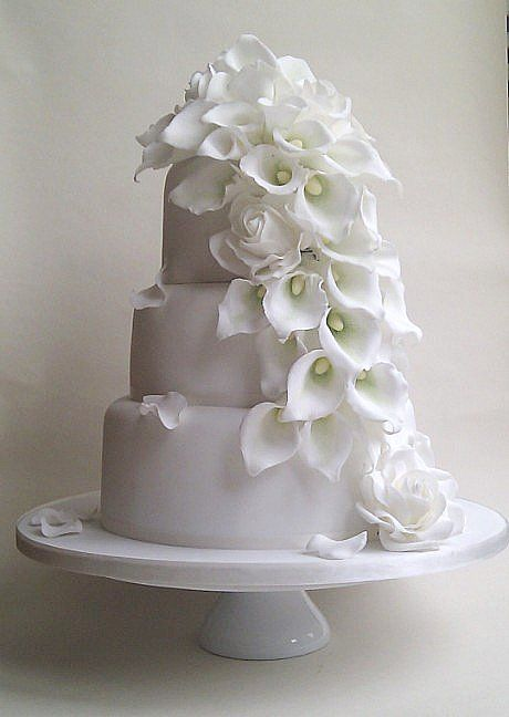 roses and calla lily  http://www.petitgateau.net/ - cake 15  #RePin by AT Social Media Marketing - Pinterest Marketing Specialists ATSocialMedia.co.uk