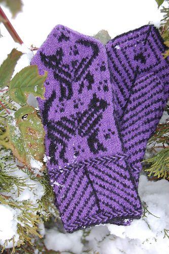 Ravelry: Cat Victoria Mittens pattern by Connie H Design