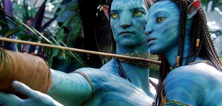 """Em um anuncio feito hoje na CinemaCon, o diretor James Cameron disse que vai fazer quatro sequências de Avatar, com o segundo filme da franquia chegando aos cinemas já em 2018. """"A próxima vez que eu ver vocês será em Pandora"""", disse Cameron para uma multidão de proprietários do cinemas durante a CinemaCon nesta quinta-feira …"""