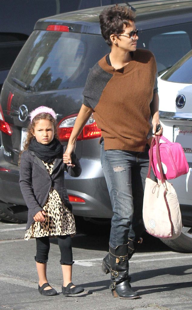 Halle Berry from Hollywood's Hottest Moms 2013 | E! Online