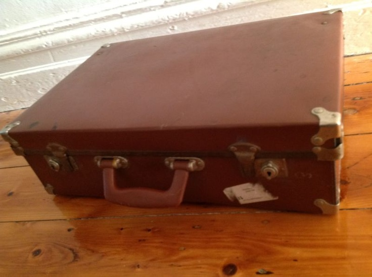 Vintage 70s Globite-style suitcase for sale