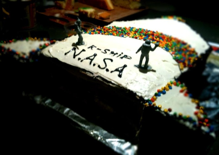 38 best happy birthday nasa outer space cakes and for Cake decorations outer space