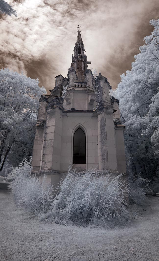 This Castle was Abandoned in 1932 after a Major Fire; The Inside is Hauntingly Beautiful. (Video) — I Love Nature