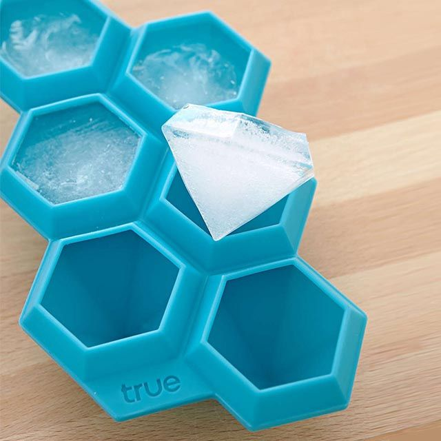 Get ice so icey with this flexible silicone ice cube tray that produces diamond-shaped ice cubes.