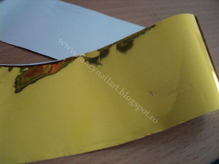 Foita transfer aurie Dimensiune: 3,7x50cm Pret: 1 leu/buc www.fancynailart.blogspot.ro