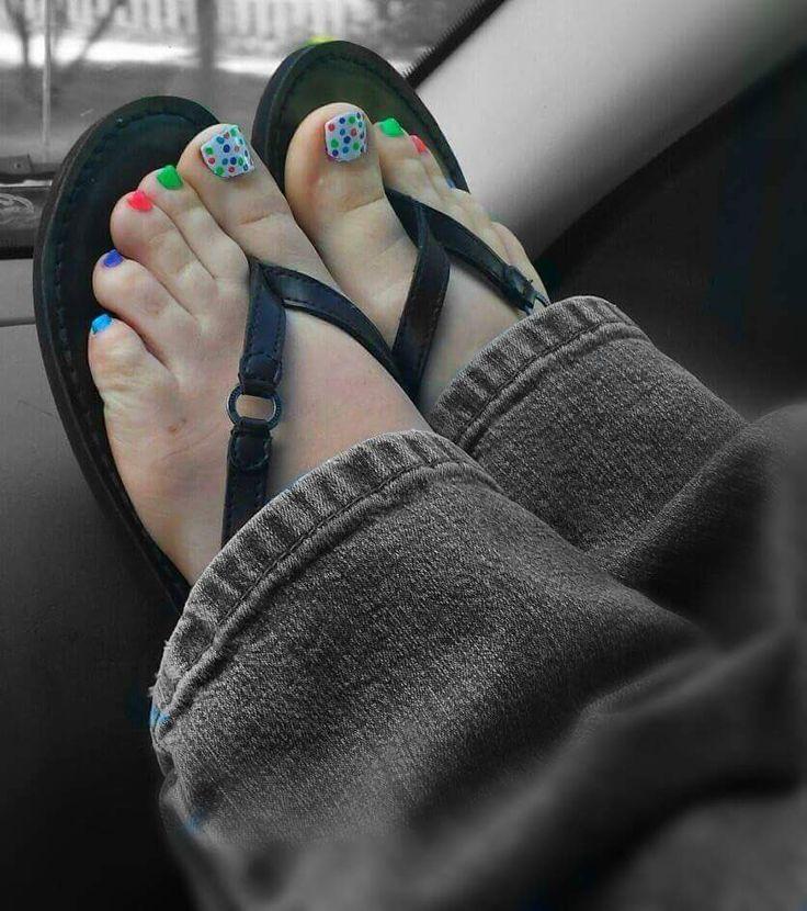 http://www.valeriamessalina.com/product/CNVXMB-1094397/justine-joli-foot-job-stroker