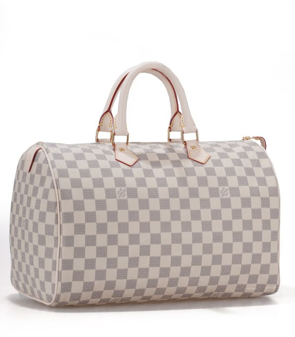Louis Vitton Speedy 30. A girl can't just settle for one speedy