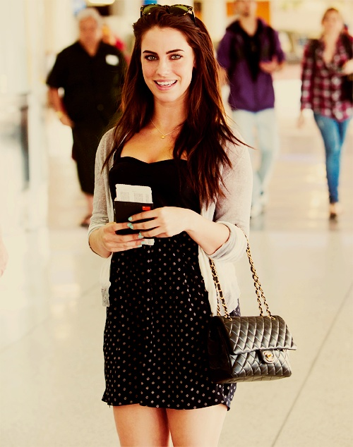 JESSICA LOWNDES plays adrianna in 90210, loooveeee that show!!!!!