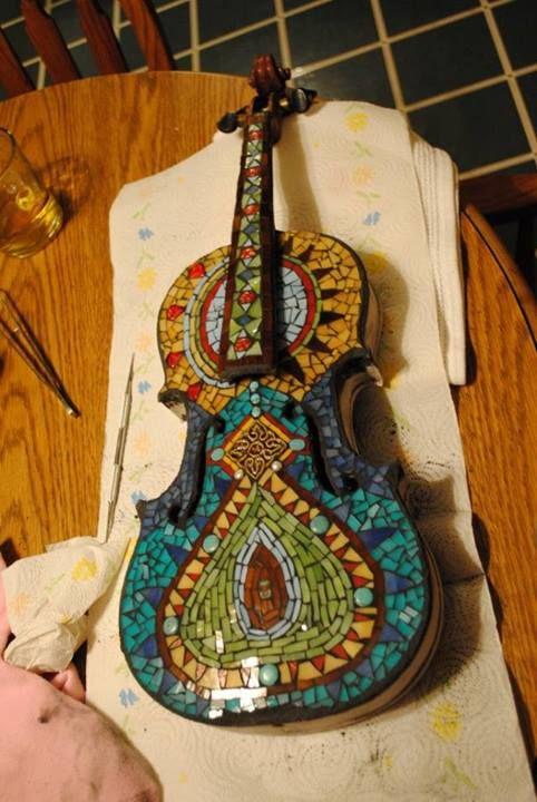 Mosaico violín por Rachel K. Jones