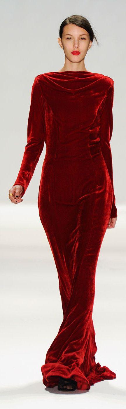 ✪ Tadashi Shoji - Fall 2012 ✪ http://www.stylebistro.com/runway/New+York+Fashion+Week+Fall+2012/Tadashi+Shoji/browse  (More on Dresses)