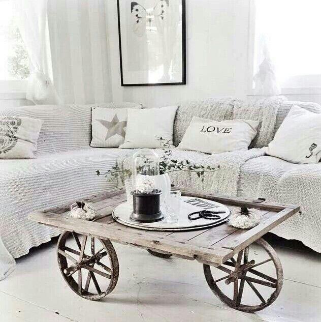Vardagsrumsbord hjul och bräder