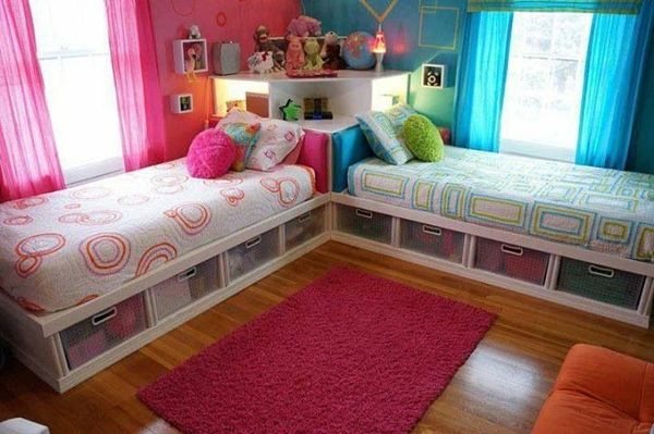 2 beds 2 colors