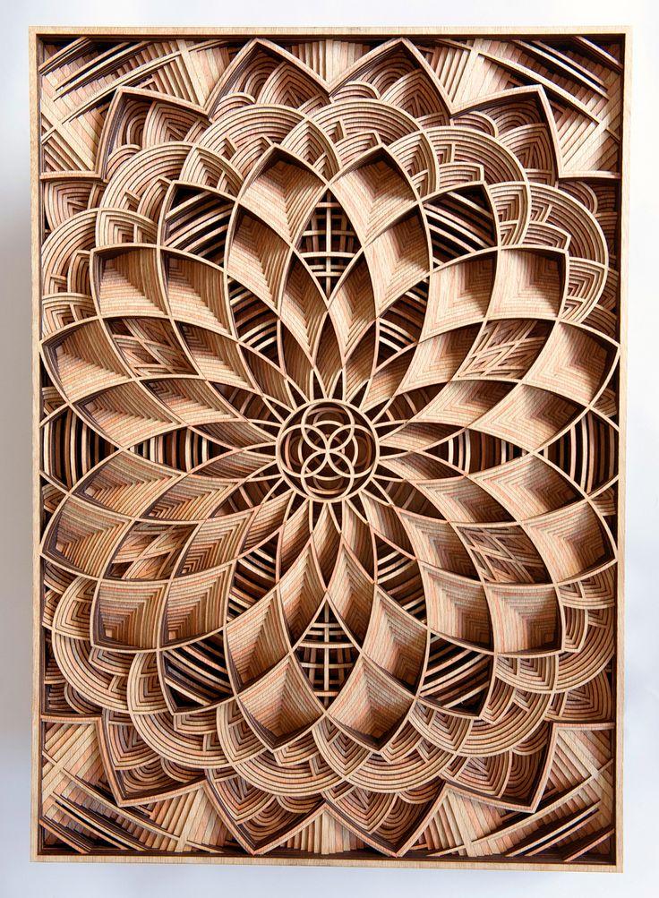 Cet artiste mêle la finesse du laser à la noblesse du bois pour réaliser des œuvres d'une précision ahurissante