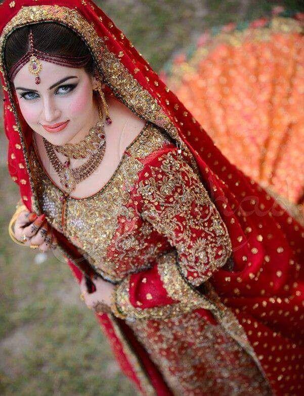 Royal Red   Punjabi Bride 2017   Pakistani bridal wear, Pakistani bridal, Pakistani wedding dresses