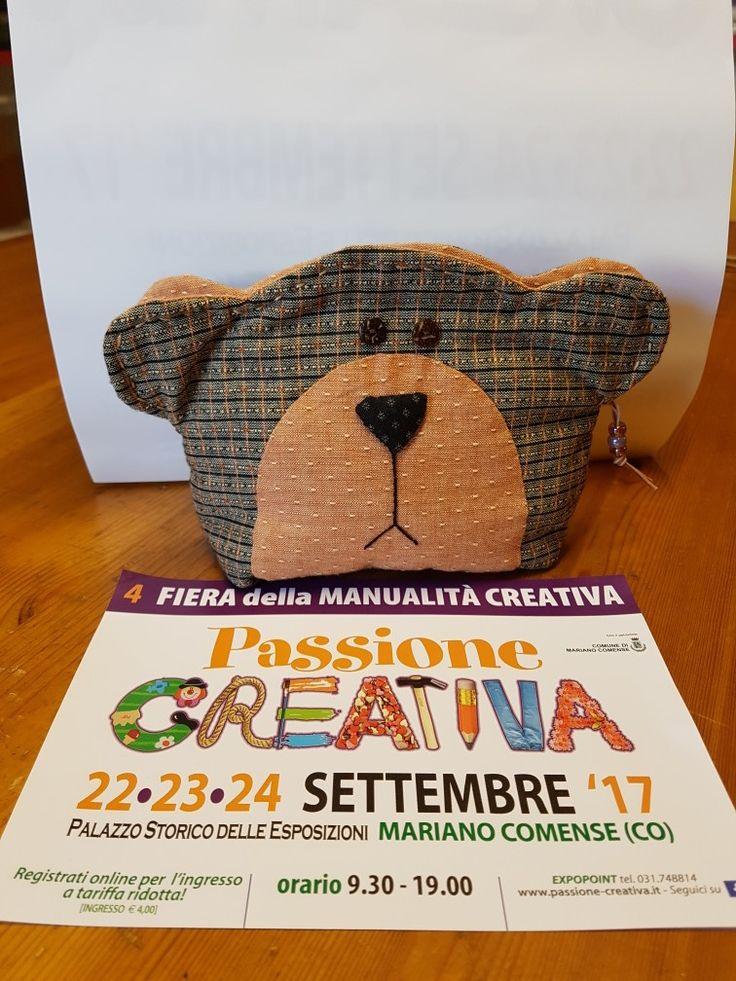 Pochette a forma di orsetto realizzata con i tinto in filo giapponesi