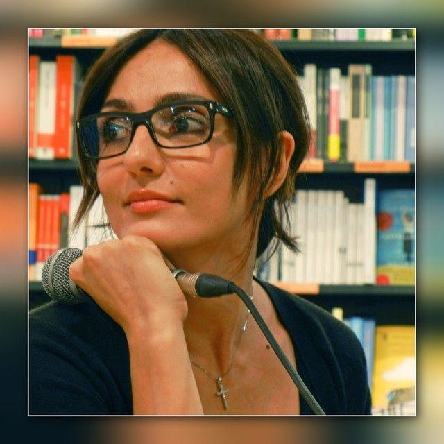 #ambraangiolini #ambra #feltrinelli #milano #milan #incontro #lapresentatricemorta #peppinocera #presentazione #libro #lettura #compratelo #bellezza #milanese #corsobuenosaires #italy #italia #ig_milan #igersitaly #igersmilano #instamilano #ig_lombardia #lombardy #lombardia #fotografimilanesi #wu_italy