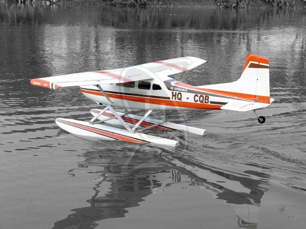 Cessna 185 seaplane