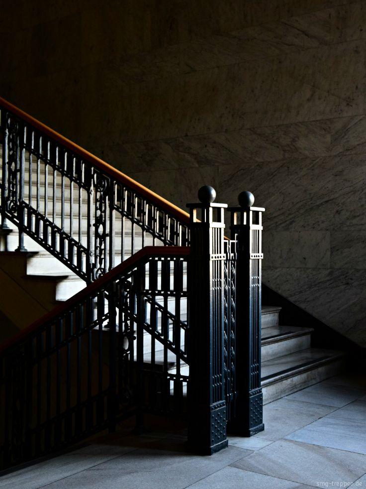 Victoria Versicherung - http://smg-treppen.de/victoria-versicherung/ Das ehemalige Gebäude der Victoria Versicherung in der Berliner Lindenstraße ist ein architektonisches Highlight und heute noch ein ungeschliffener Diamant.