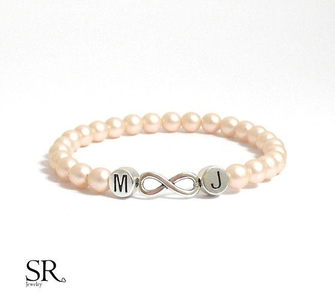 Accessoires - Armband Infinity Perlen Geschenk personalisierbar individualisierbar unenlichkeit Initialbuchstaben - ein Designerstück von sweetrosy bei DaWanda