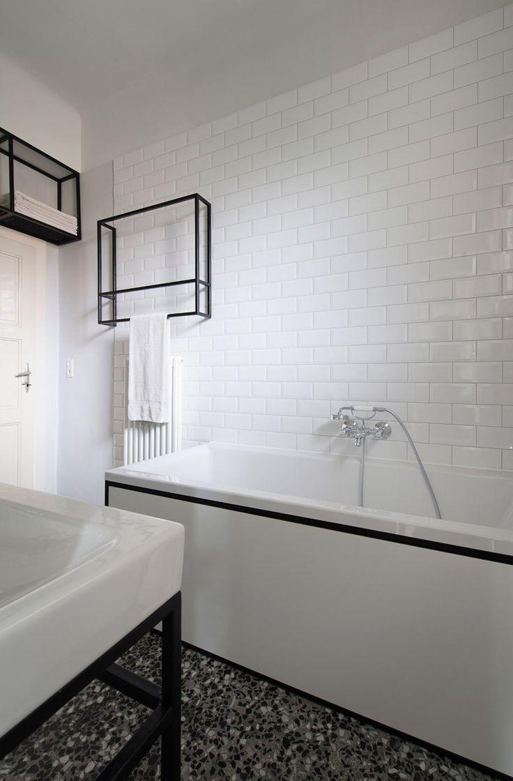 IFUB Uncovers Parquet Flooring In 1930s Art Deco Apartment Art Deco Bathroom Bathroom