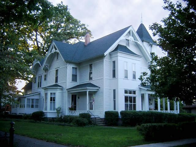 1884 Victorian: Queen Anne - Ahearne Historical Home in Allegan, Michigan - OldHouses.com