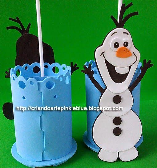Enfeite para mesa dos convidados. Tema frozen.  Copinho porta-treco Boneco de neve Olaf.  O enfeite acompanha porta-balão.   Preço:  R$5.00 ...
