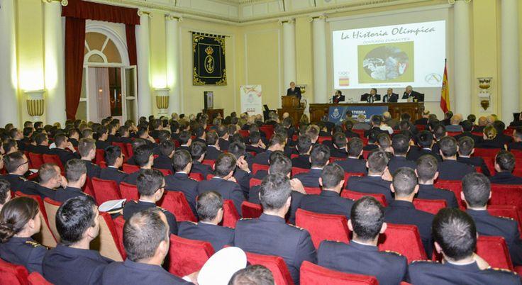 El Olimpismo protagonista en la Escuela Naval Militar de Marín
