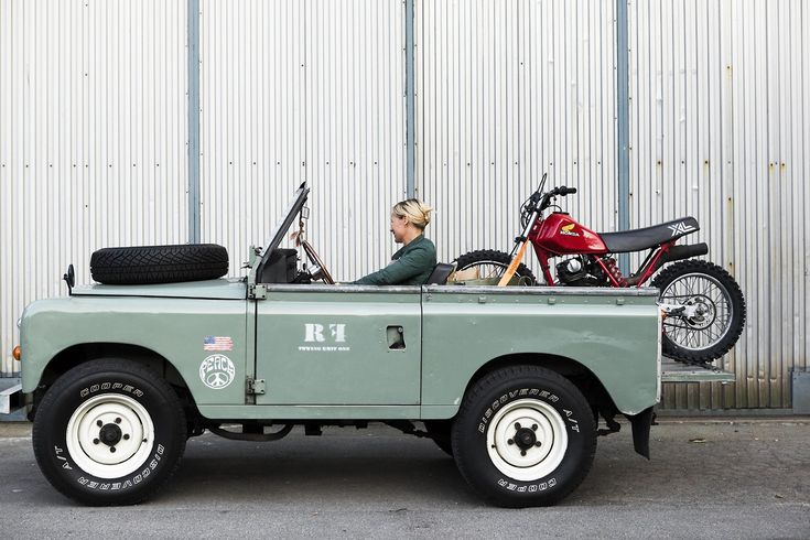 Saw this and it is sooo pretty, it has rekindled the fire… LandRover Series 31972
