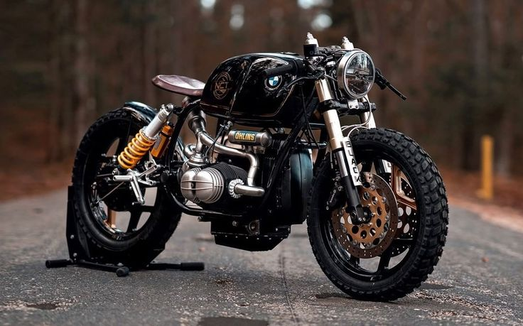 """BMW R100 RT Cafe Racer - Bobber """"Black Stallion"""" by NCT (National Custom Tech Motorcycles) - Photos by Peter Pegam #motorcycles #bobber #motos 
