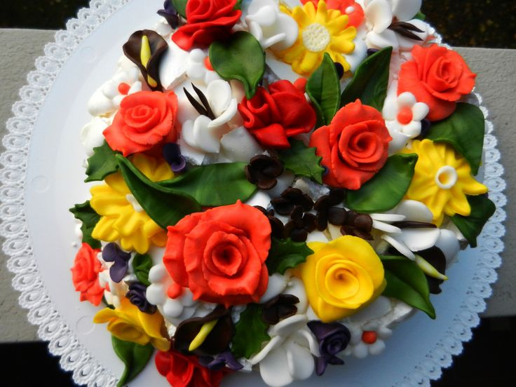 Flower Basket with Sugar Fondant Cake