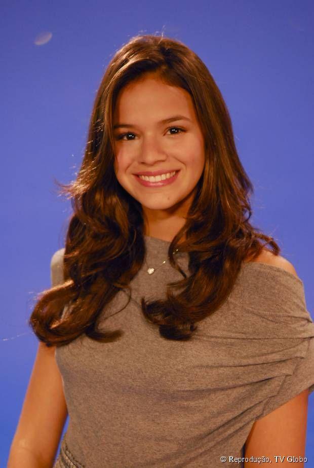 Desde criança, Bruna Marquezine investe no tom castanho para seus cabelos