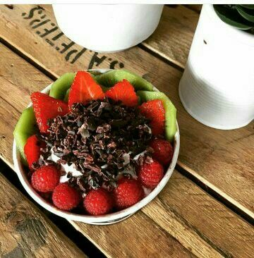What could possibly be more enjoyable than having an Acai Bowl in your hand... having it in the your mouth 😉 YUM! 👌  Acai Brothers Liverpool Coming Soon!  Press the FOLLOW button within Instagram & www.facebook.com.au/acaibrothersliverpoolsydney  @acaibrothers_liverpool #acaiinsydney #enjoylife #everydayfood #happydays #acailife #coffee #superfood #glutenfree #vegan #westernsydney #westernsuburbs #liverpoolsydney #liverpoolsydneyfood #acaibrothersliverpool #thegreatsouthwest #gymfood…