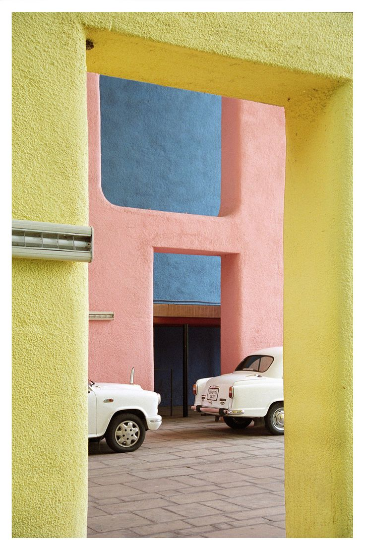 Le corbusier furniture celebrate le corbusier top 5 most famous works - A Case Of Major Wanderlust Over Here A Major Color Crush Find This Pin And More On Le Corbusier