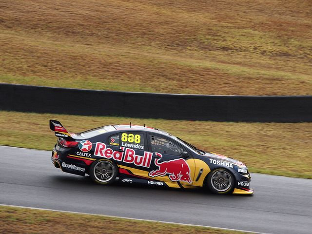 Craig Lowndes - Sydney Motorsport Park - February Test Day - 2014