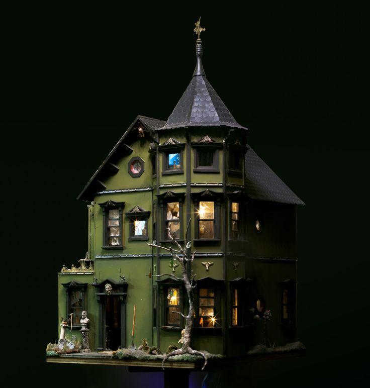 Pollyanne Hornbeck's Haunted Dollhouse | The Kit Kraft