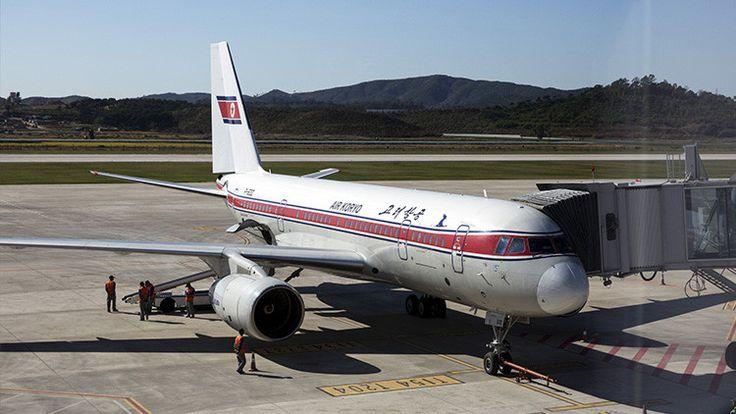 Un avión de pasajeros de Corea del Norte se despedaza en pleno vuelo,pero lograron colocarlo en tierra,junio,2017