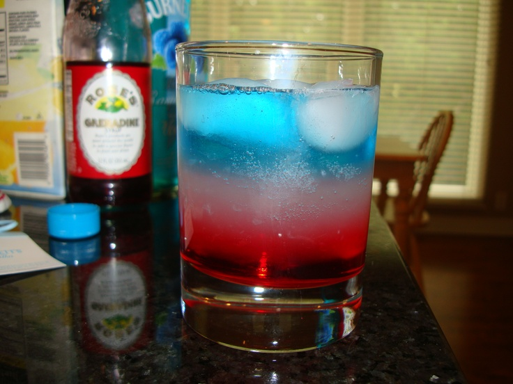 Bomb pop drink grenadine lemonade and top it off for Fun cocktails with vodka