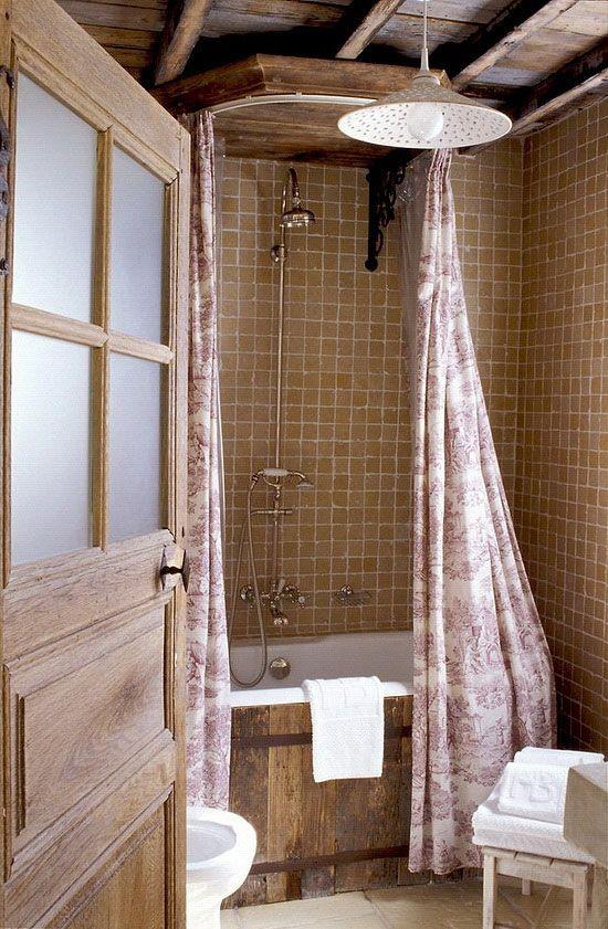 Прованский стиль в интерьере. Отделка ванны досками