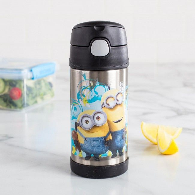 Keep your drink cool while you're on the go. The Thermos 'Minions' Sport Bottle features a built in straw, double wall insulation for maximum temperature retention, a spill resistant push button lid and a stainless steel interior and exterior.